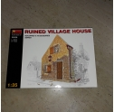 MINIART.35520 RUINED VILLAGE HOUSE 1/35